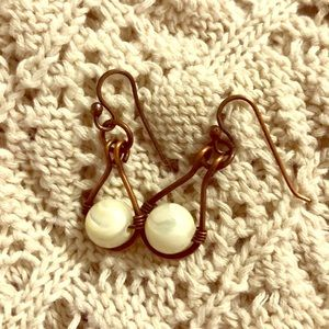 Jewelry - Earrings dangle white & antique brass brown pair